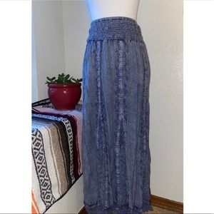 Denim Colored Skirt With Stitching